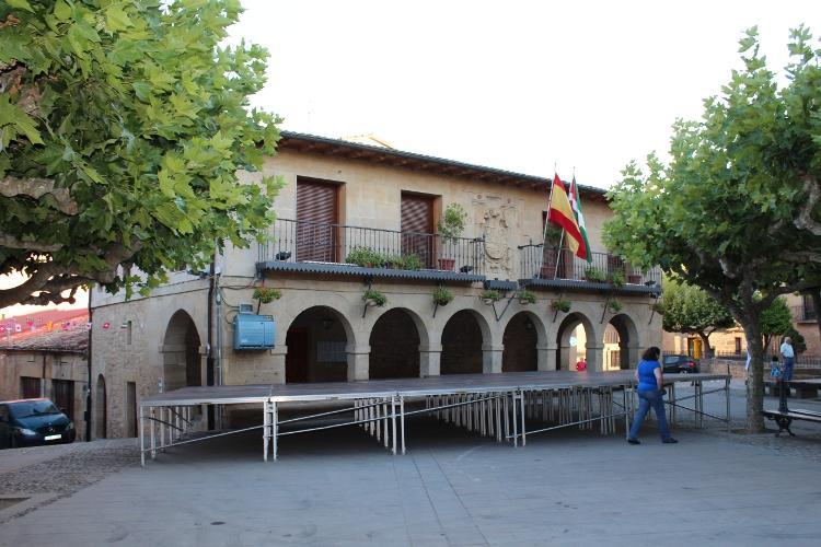 http://de-parador-en-parador.zonalibre.org/Images/ElCiegoAyuntamiento_Blog.JPG