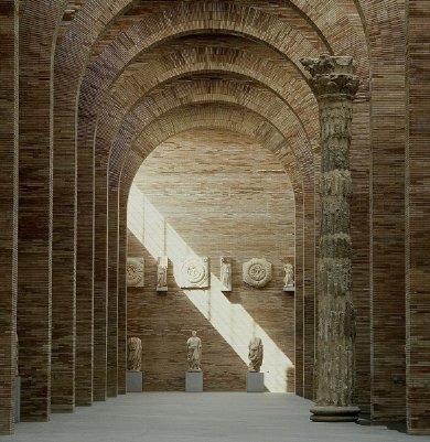 http://de-parador-en-parador.zonalibre.org/archives/Museo-Nacional-Arte-Romano-Merida.jpg