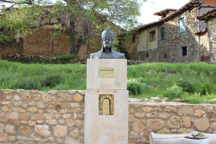 http://de-parador-en-parador.zonalibre.org/images/Almanzor_Blog.JPG
