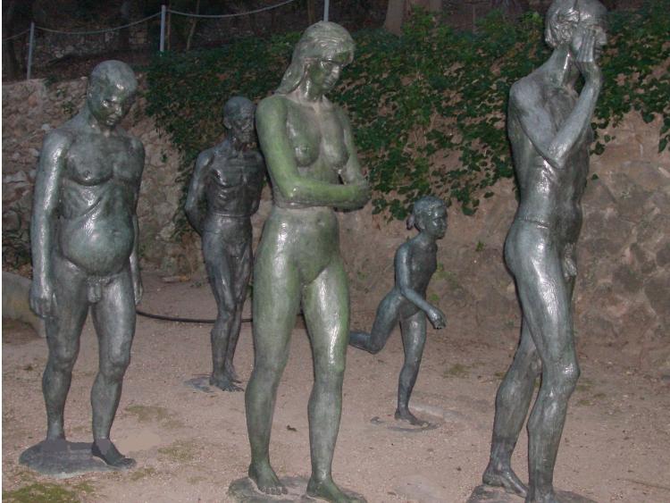 http://de-parador-en-parador.zonalibre.org/images/JardinesPrincipeElPesoDeLaVida_Blog.JPG