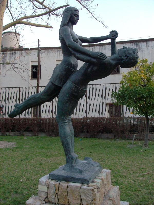 http://de-parador-en-parador.zonalibre.org/images/JardinesPrincipeNovios_Blog.JPG