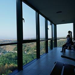 http://de-parador-en-parador.zonalibre.org/images/Vista_Parador_Soria.jpg
