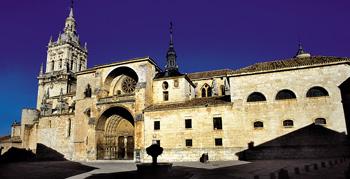 http://de-parador-en-parador.zonalibre.org/images/catedral_burgo_de_osma_soria.jpg